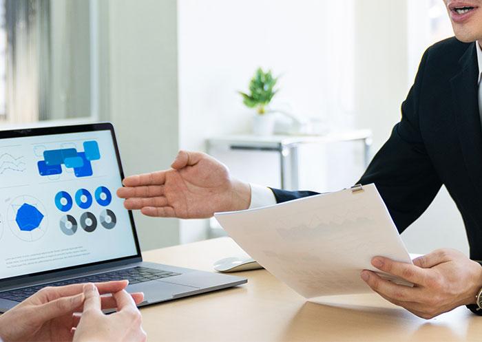 クレジオ・パートナーズでは、事業承継の徹底したサポートを行います。また、必要に応じてM&A(売却も買収も)のサポートもいたします。