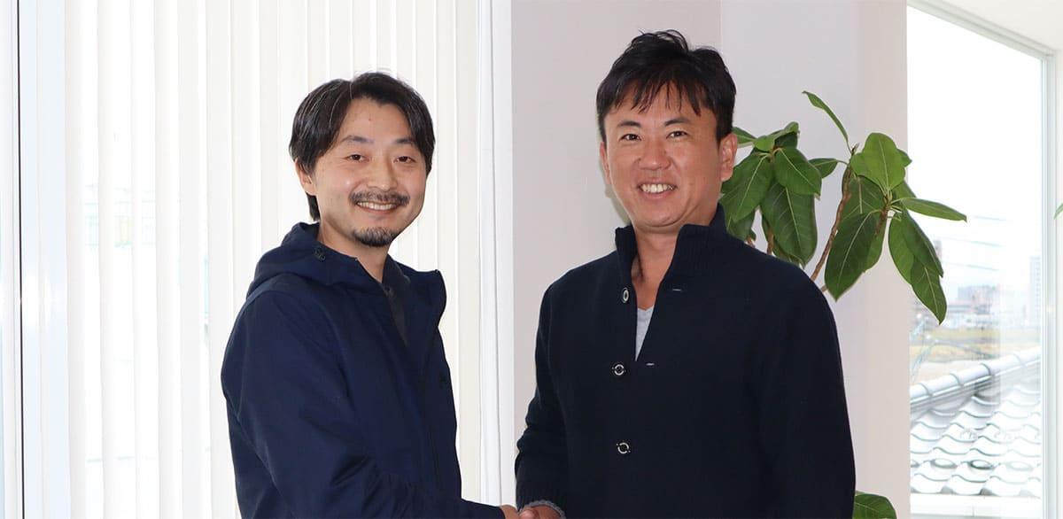 代表を務めた小松英介氏と、譲受け企業である株式会社ティーエス・ハマモトの代表取締役である濱本利寿氏に、M&Aを決意するに至ったこれまでの経緯と今後の展望について伺った。
